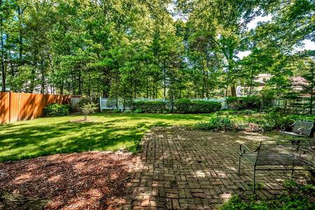 Additional photo for property listing at Rockland Place 18 Rockland Place Newton, Massachusetts 02464 United States